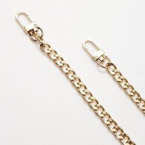 ⤵⤵ Italian Curb Design Purse Gold Chain Strap